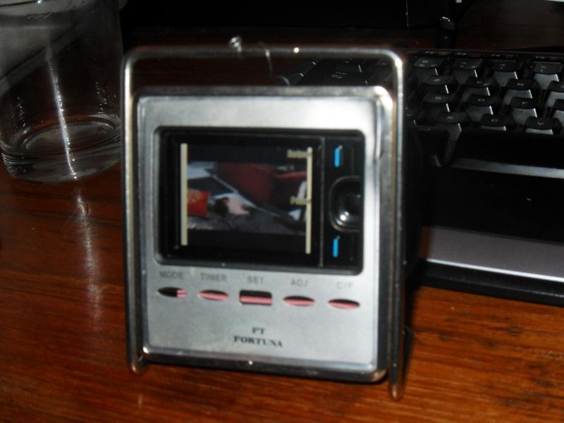 Ancien reveil , Nouvelle télé portable Sdc10410