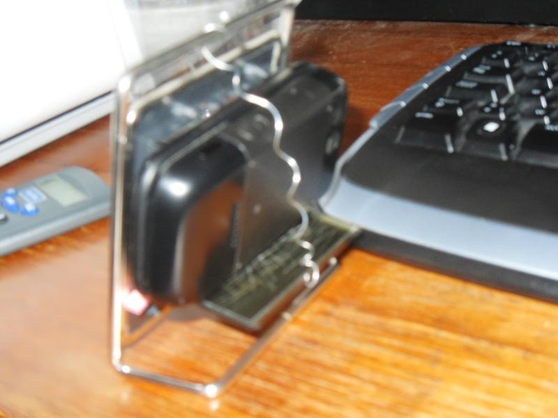 Ancien reveil , Nouvelle télé portable Sdc10411