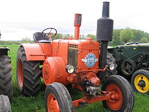 Moteur semi diesel à boule chaude Tracte11