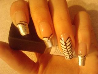 DEKORACIJA vaših prirodnih nokti, noktića, noktiju (samo slike - komentiranje je u drugoj temi) 10042510