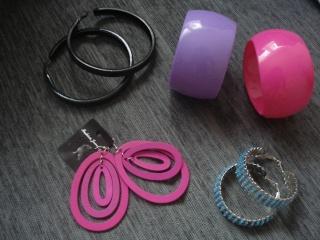 Nakit (prstenje,naušnice,ogrlice,lančići,narukvice) - Page 4 Dsc03035