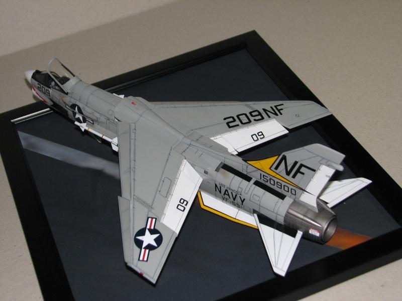 Hasegawa F-8E Crusader Img_2714