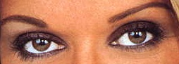 A qui appartiennent ces yeux? - Page 2 Yeux_b11