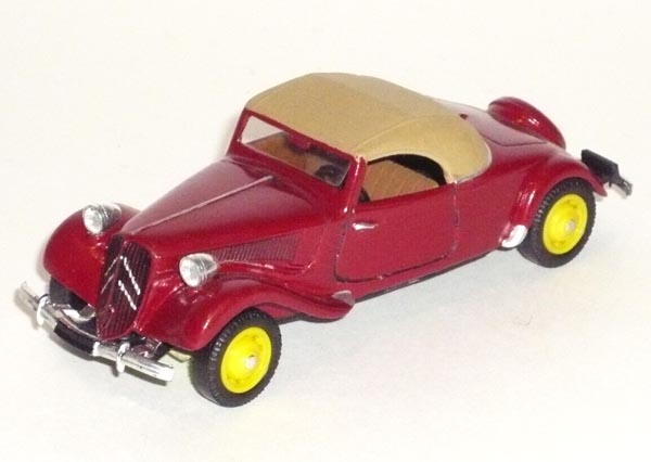 La 15/6 cabriolet 1939 en miniature Metz_c12