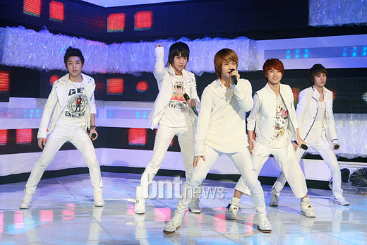 [09.03.10] MTV The M 00327a12
