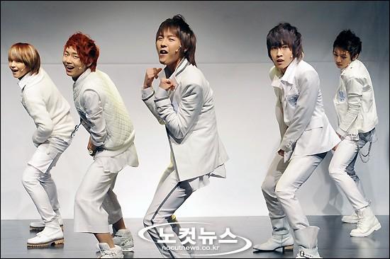 [03.03.10] Début ShowCase + Single's cover 03170210