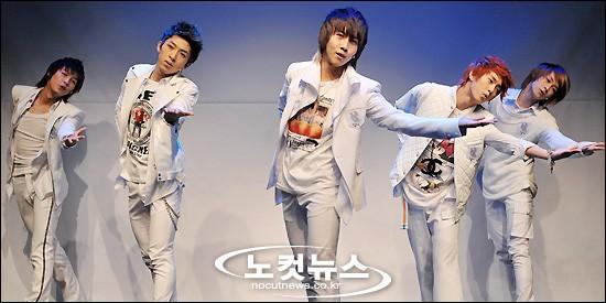[03.03.10] Début ShowCase + Single's cover 03170610