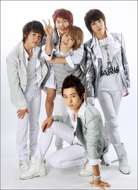 [Photoshoot][17.03.10] Star News 03kiss10