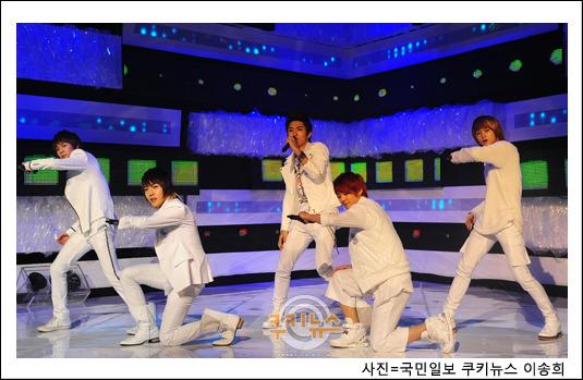 [09.03.10] MTV The M 10030911