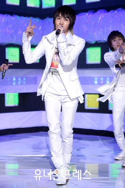 [09.03.10] MTV The M 12681410