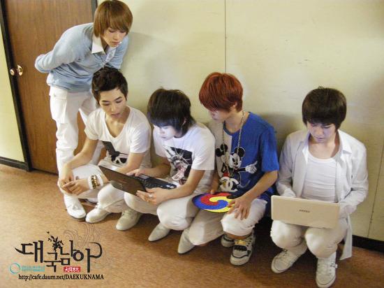 [12.03.10] Music Bank Backstage 1zc3at11
