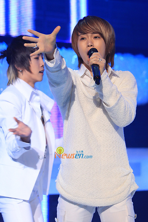 [09.03.10] MTV The M 20100330