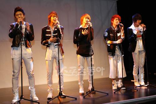 [03.03.10] Début ShowCase + Single's cover 26581111
