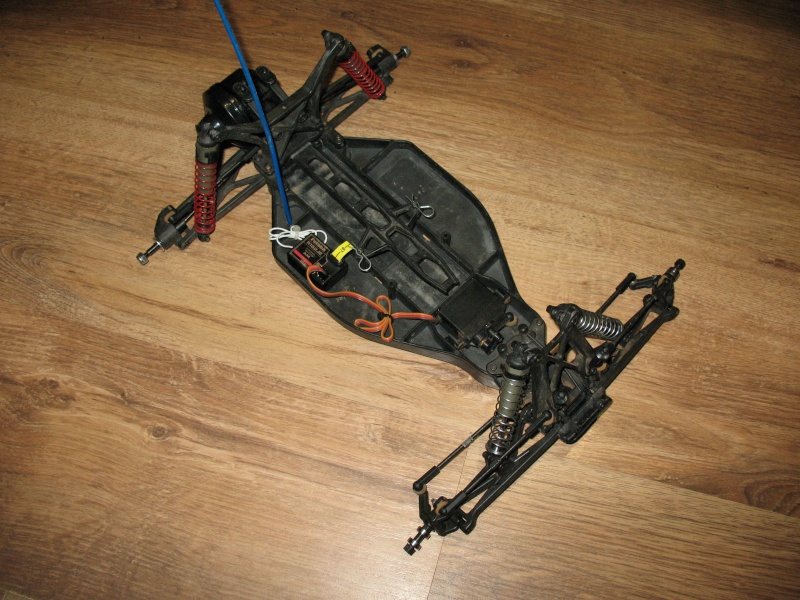Team Associated RC10T4 Brushless Photo140