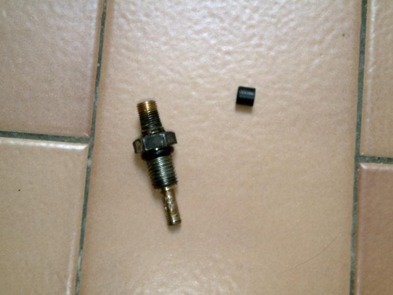 Cherche tuto pour le reconditionnement amortisseur AR Yamaha - Page 3 Pict0016