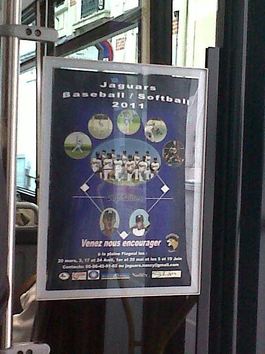 Affichage dans les trams Img00410