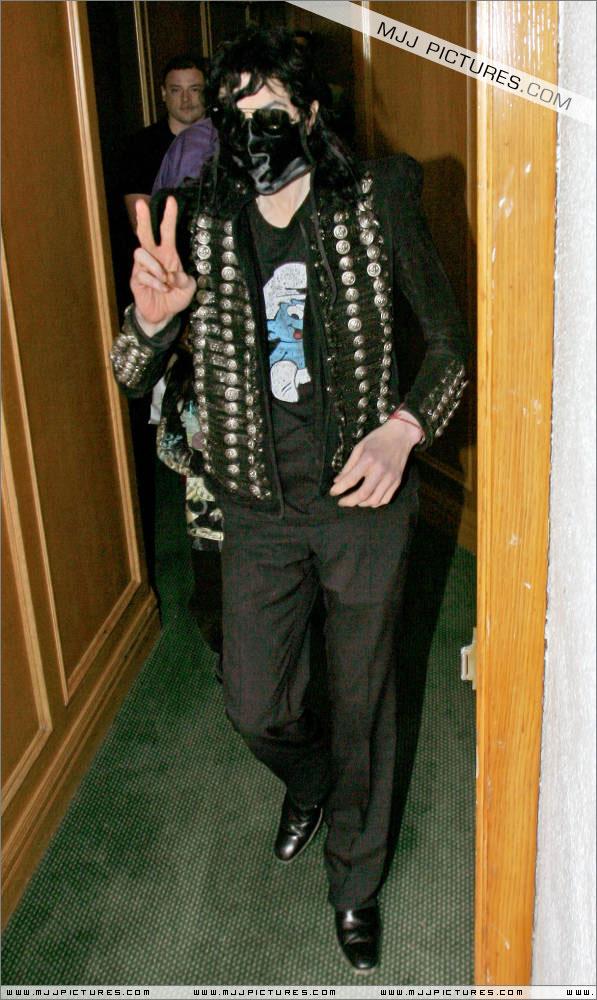 I sosia di Michael Jackson - Pagina 3 00111