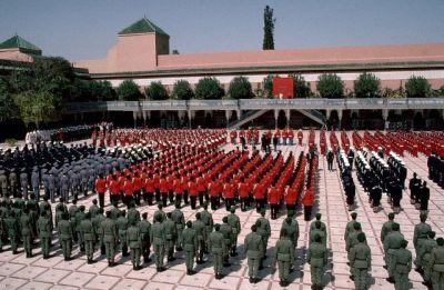 La Garde Royale Marocaine / Moroccan Royal Guard - Page 3 Normal10