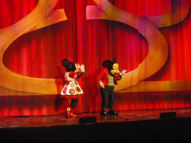 spectacle la bande à mickey - Page 2 Disney17