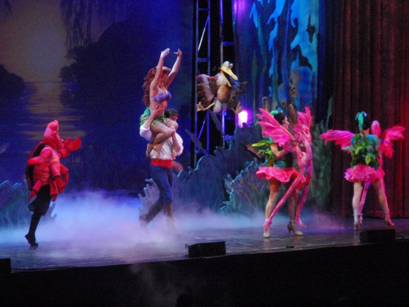 spectacle la bande à mickey - Page 2 Disney18