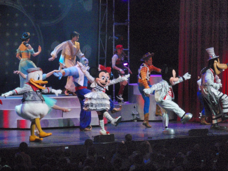 spectacle la bande à mickey - Page 2 Disney26