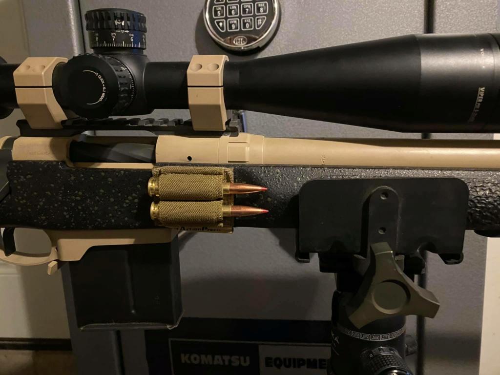 balle sur le côté de l'arme 81063510