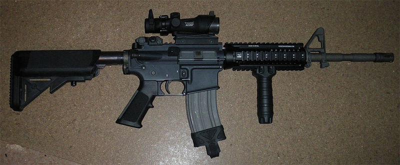 Colt M4 États-Unien 800px-11