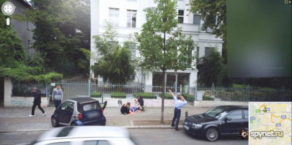 Street view: Accouchement à Berlin, Allemagne, Europe Acc110