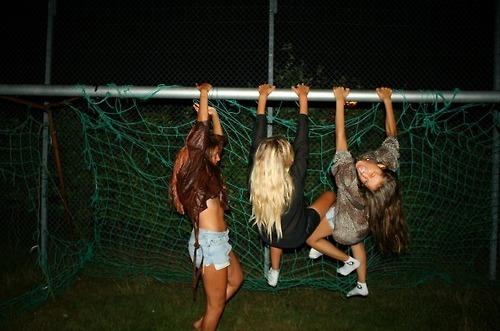 Leilani, Fay, and Tori when drunk. 0711