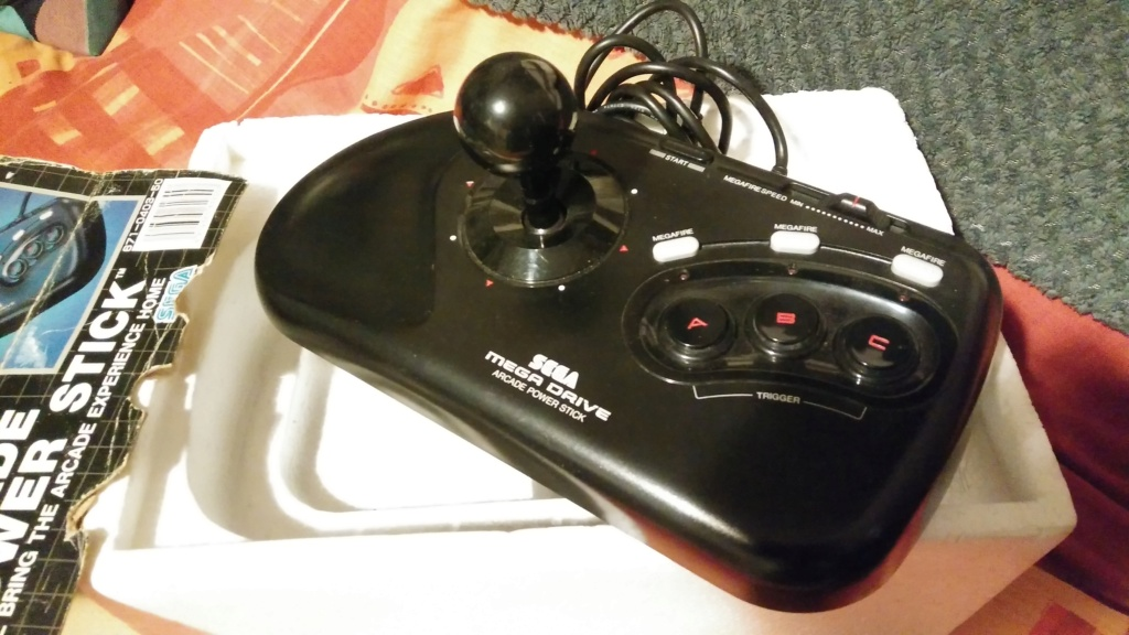 Console Md, GBA SP, Stick MD boîte.. Img_2095