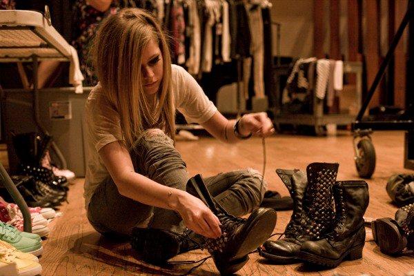Avril Lavigne - D You Photoshoot 2010 Forum_60