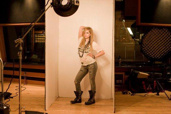 Avril Lavigne - D You Photoshoot 2010 Forum_62
