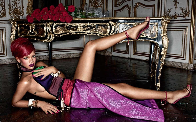 "Rihanna - ""Interview"" Magazine 2010 December Forum_68"