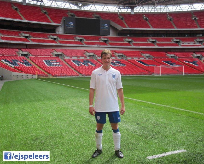 Ed joue à Wembley Img_2412