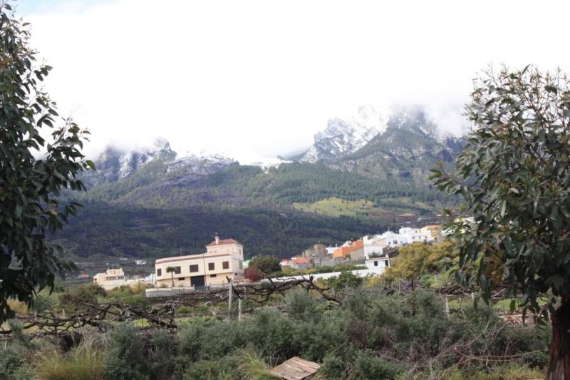 nevada vista desde el lado sur de la isla:Güímar Peq511