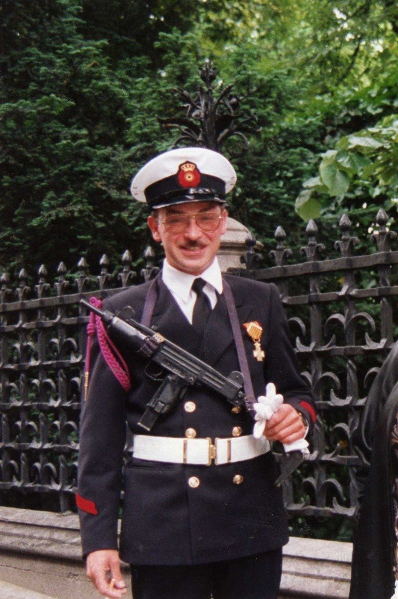 La ZM-FN / Marine monte la garde au Palais Royal à Bruxelles - Page 2 Copie_11