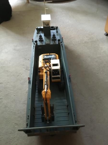Schwerter zu Pflugscharen - aus Landungsboot wird Arbeitsboot Foto_214