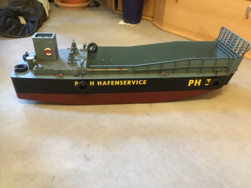 Schwerter zu Pflugscharen - aus Landungsboot wird Arbeitsboot Img_3810
