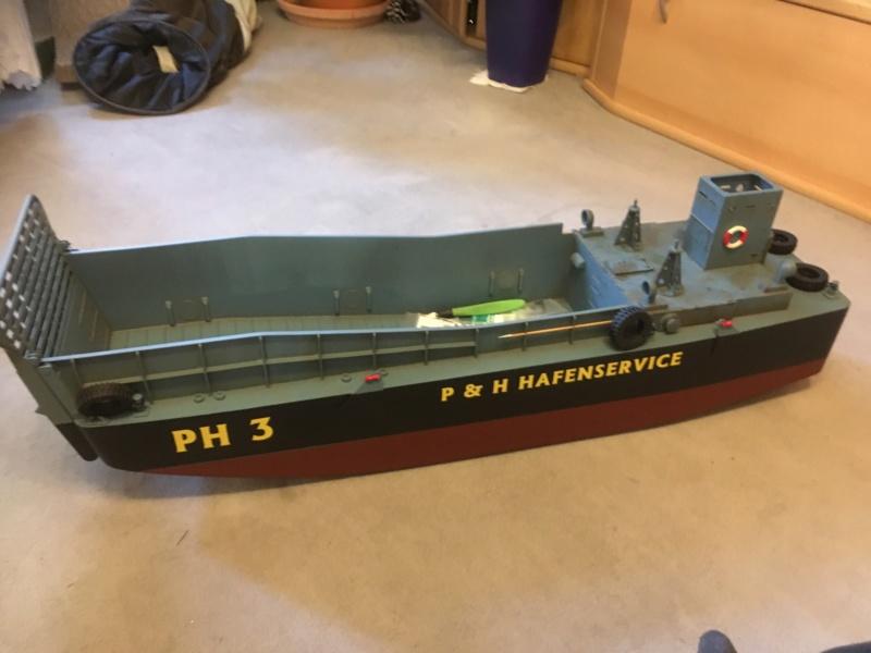 Schwerter zu Pflugscharen - aus Landungsboot wird Arbeitsboot Img_3811