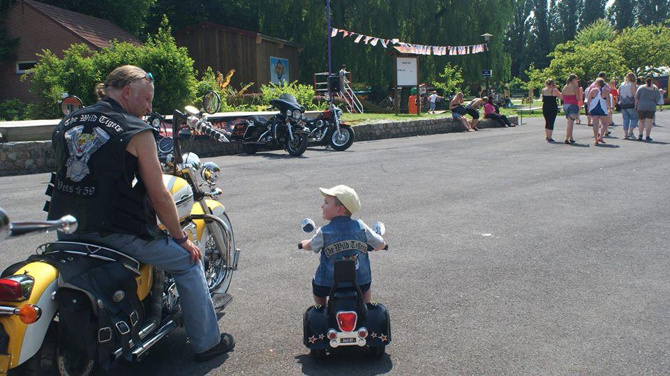 Biker et fier de l'être - Page 13 12696710