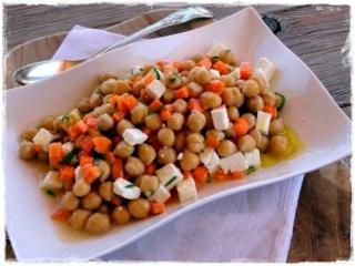 Insalata di ceci carote e feta Dsc20510