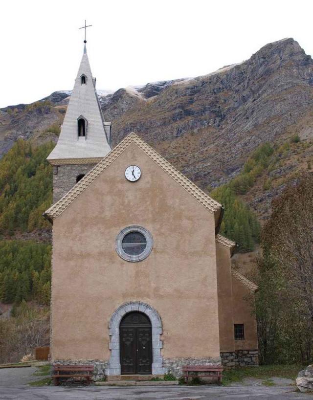 10- Concours - églises ....photos reçues. - Page 3 Pa220110