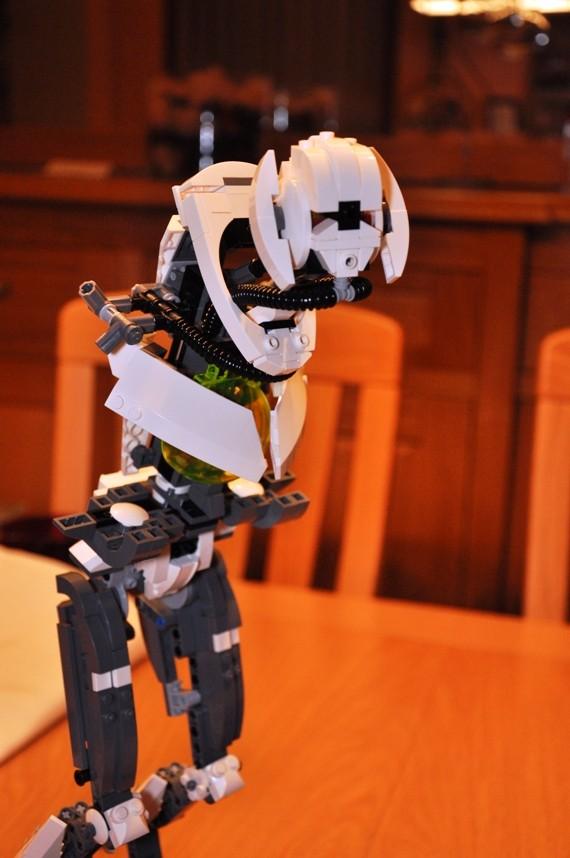Lego - 10186 - UCS General Grievous Dsc_0143