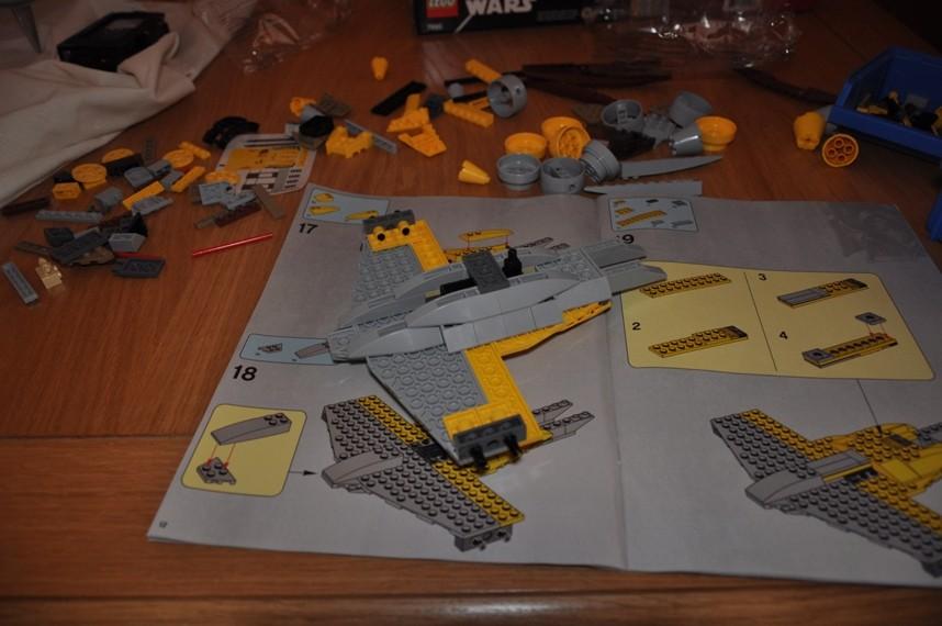 Lego - 7660 Naboo N-1 Starfighter et Vulture droid Dsc_0315