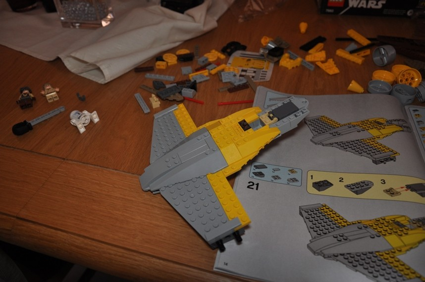 Lego - 7660 Naboo N-1 Starfighter et Vulture droid Dsc_0317