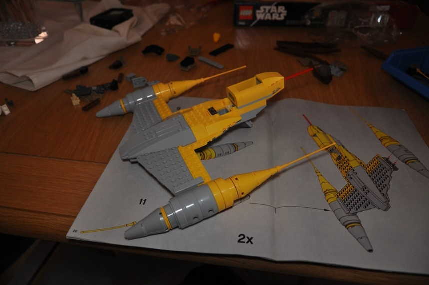 Lego - 7660 Naboo N-1 Starfighter et Vulture droid Dsc_0321