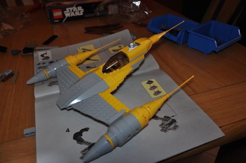 Lego - 7660 Naboo N-1 Starfighter et Vulture droid Dsc_0326