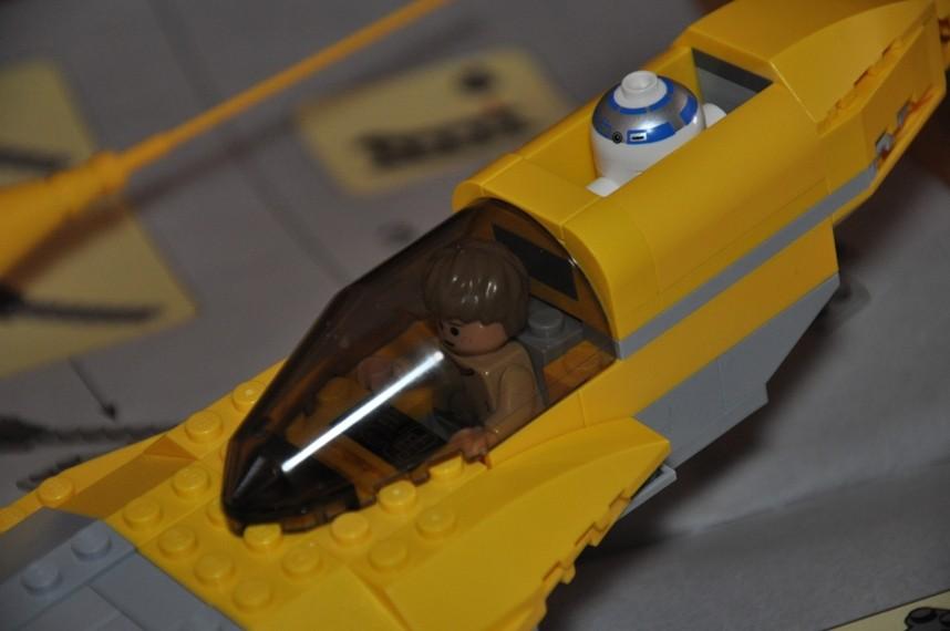 Lego - 7660 Naboo N-1 Starfighter et Vulture droid Dsc_0328
