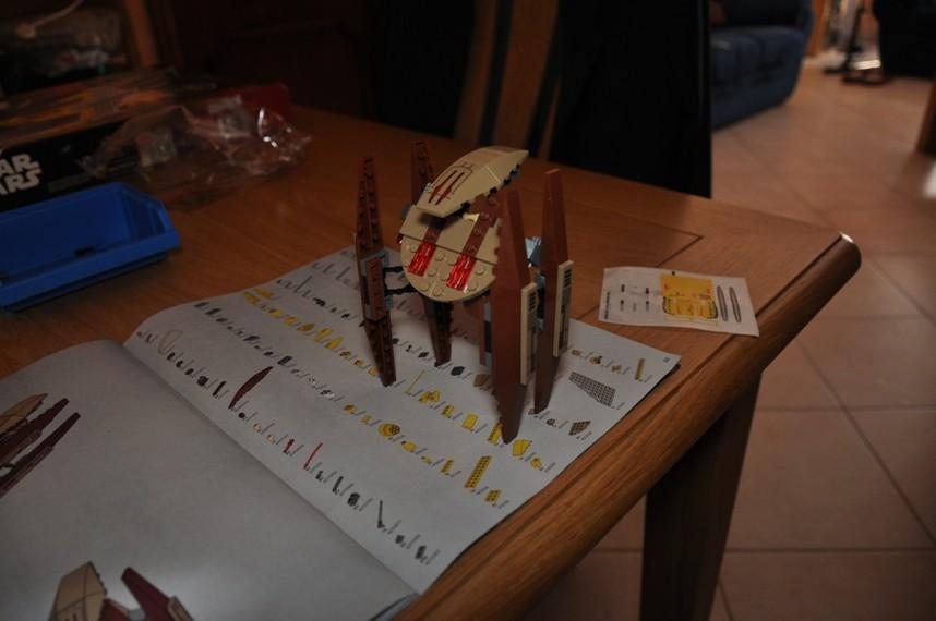 Lego - 7660 Naboo N-1 Starfighter et Vulture droid Dsc_0341