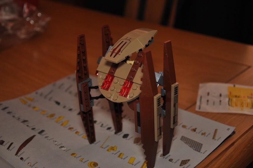 Lego - 7660 Naboo N-1 Starfighter et Vulture droid Dsc_0342